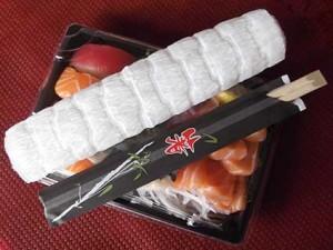 bento-baguette-oshibori-serviette-warmly